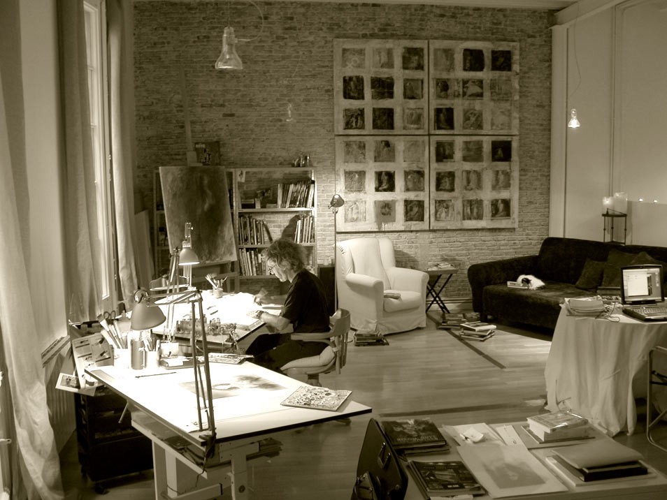Luis royo working at the studio sepia photography
